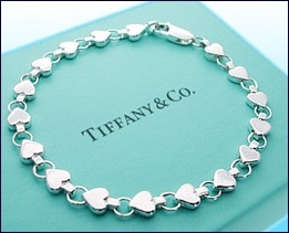 Need to add this with my other tiffany bracelet, so cute♥