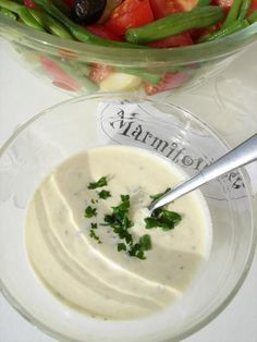 Recette Sauce légère pour salades et crudités - un régal! Best sauce to eat veggies, esp. carotts.