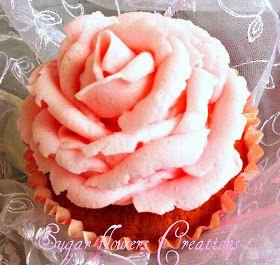 Sugar flowers Creations-Nicky Lamprinou: Απαλή κρέμα βουτύρου - Cup cakes βανίλιας με φράουλες