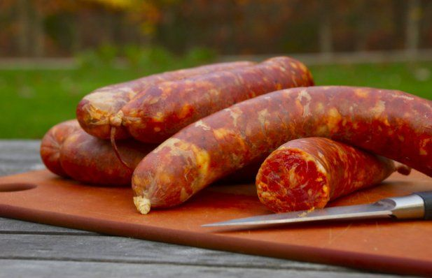 This is a traditional recipe for Portuguese sausage (chourico), enjoy.