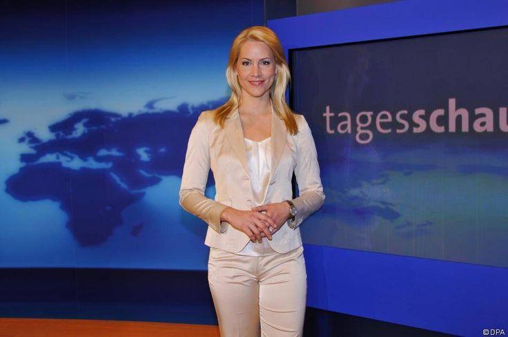 """News - Tipp:  http://ift.tt/2geXS64 Judith Rakers: Ehe-Aus bei der """"Tagesschau""""-Sprecherin: Die Moderatorin und ihr Mann Andreas Pfaff haben sich nach acht Jahren getrennt #nachrichten"""