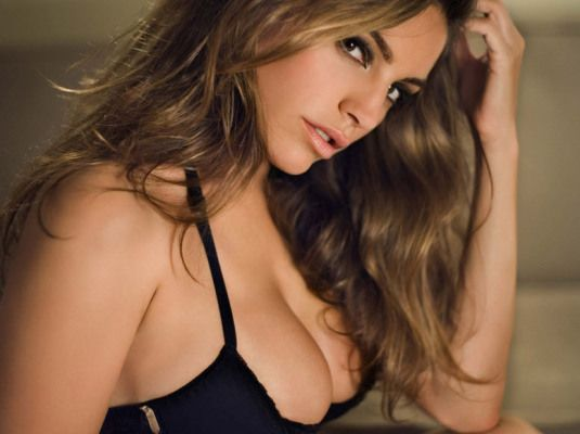 Do you want to know those that are the hottest and most fashionable top 10 sexiest Hollywood actresses in 2014? Then scroll down the page and find out.