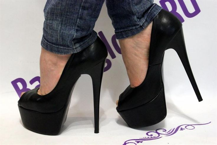 Самые красивые женские туфли на очень высоком каблуке