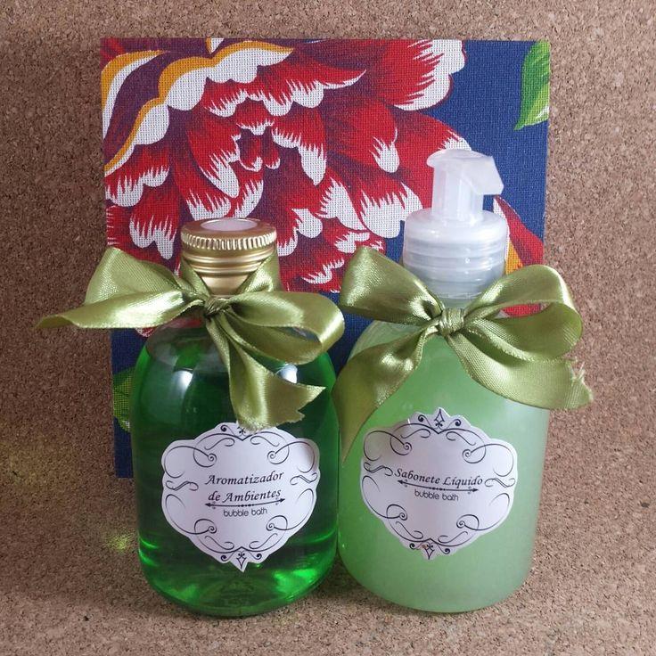 Bom dia gente linda!!!!  Kit aromatizador e sabonete líquido de Bamboo, frascos 250ml em caixa MDF forrada com tecido.    Preço:45.00  #saboariaartesanalbubblebath #saboneteartesanal #saboneteliquido #aromatizador #home #produtoartesanal #madewithlove #handmade #pravoce #bamboo