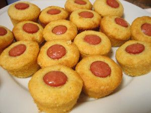Ingredients 1 package Jiffy Corn Muffin Mix 1 egg 1/3 cup milk 3-4 hot dogs