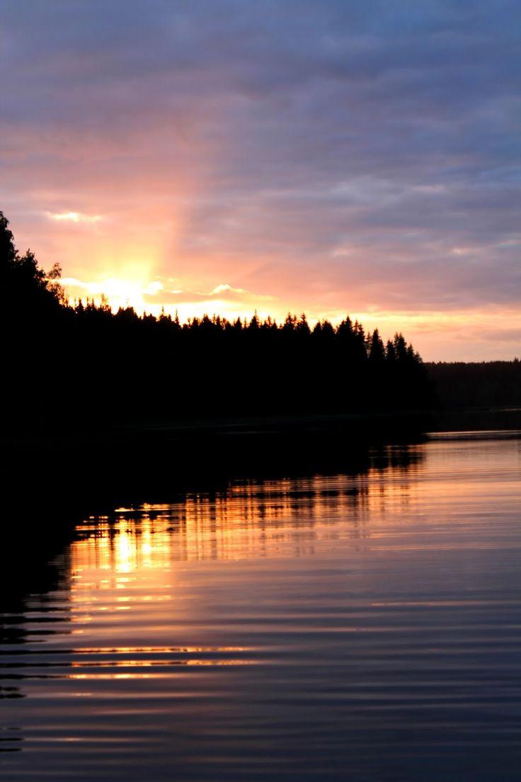 Sunset at lake Saimaa | Alinan kotona blog
