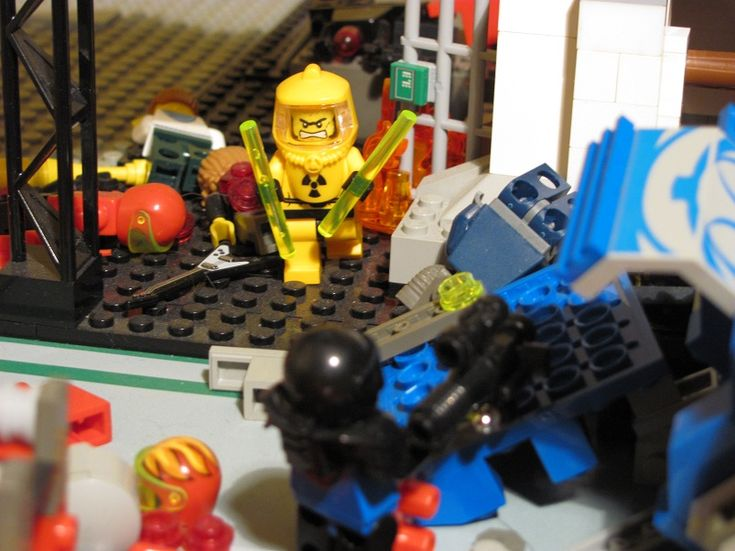 The President's Speech (Turn 6): One of the minifigs trapped in the reactor finds a radiation suit and arms himself with plutonium rods.