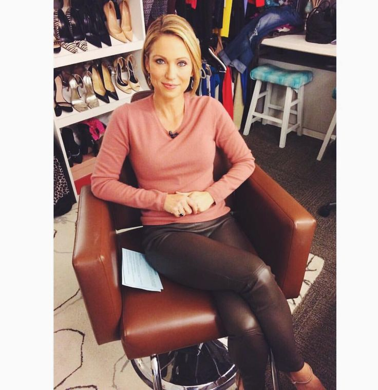Good Morning America's Amy Robach wearing a TSE sweater ...
