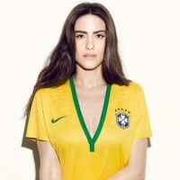 Exclusivo: Pedro Lourenço fala sobre linha de camisetas criadas em parceria com Nike // 5-06-2014 // Notícias