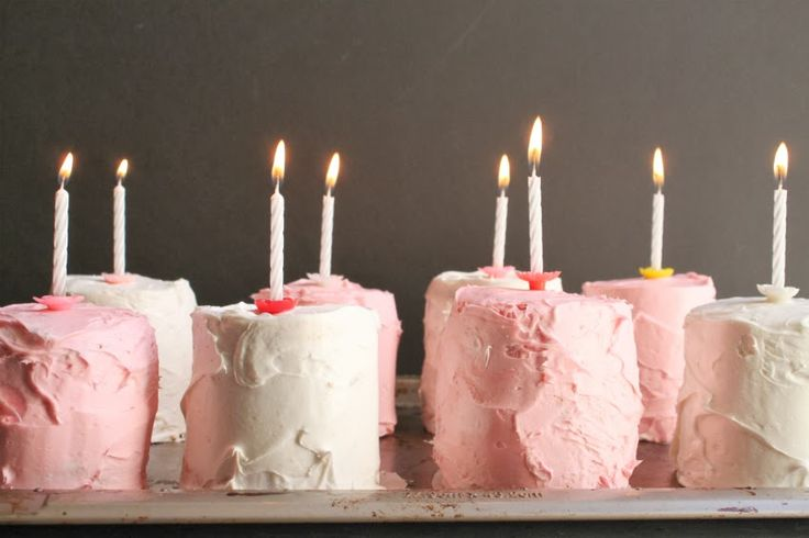 Awesome donut pan piñata cakes: Piñata Cakes, Idea, Pinata Cake, Donuts, Birthday Cakes Sweets, Mini Cakes, Donut Cakes, Dessert