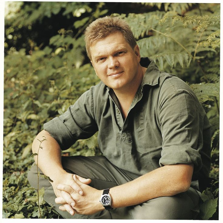 Ray Mears. TV presenter of bushcraft, outdoor survival and adventure with nature.