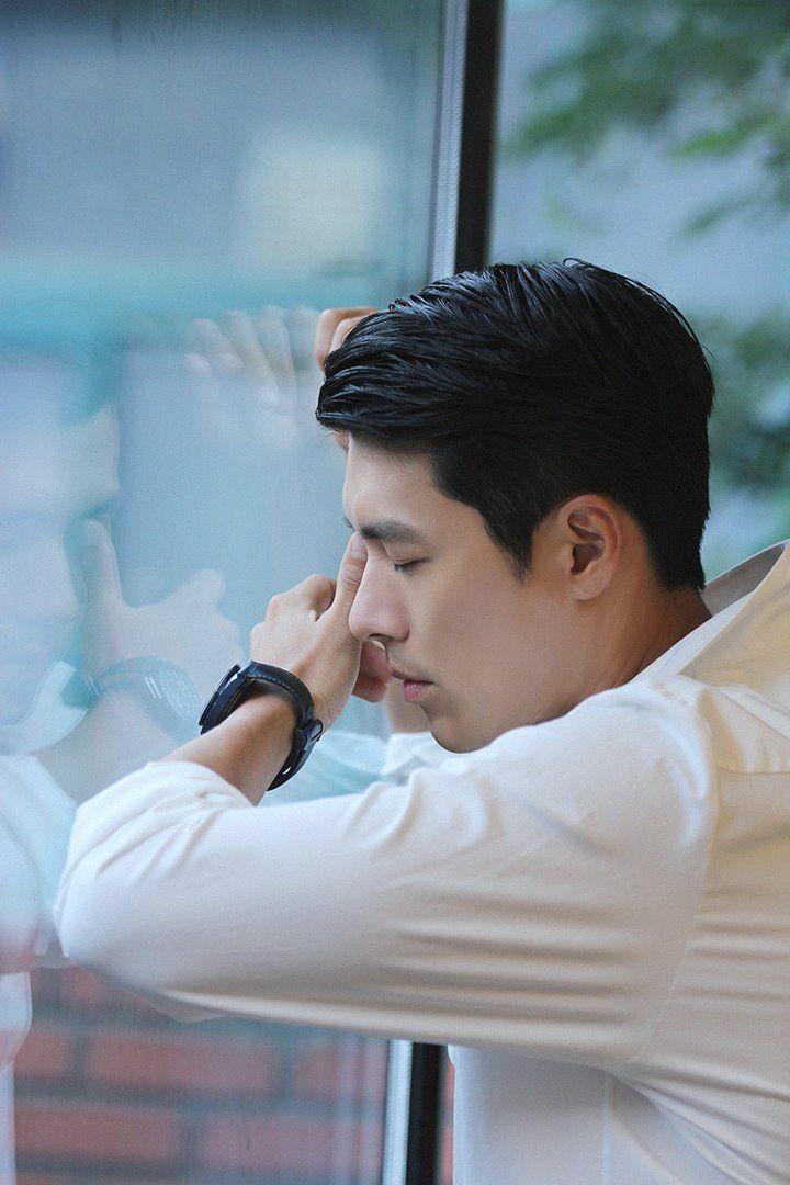 Behind-the-scenes of Hyun Bin's photoshoot with 'Esquire' Korea | Koogle TV