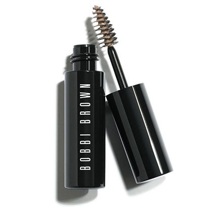 A cream-gel formula that effortlessly defines and fills in brows, while controlling and shaping them