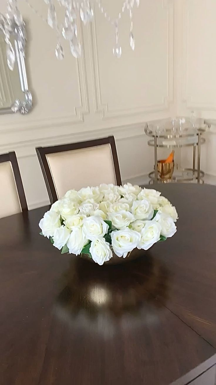 Diy Centerpieces, Table Decorations, Vases Decor, Diy Home Crafts, Diy Home Decor, Table Decor Living Room, Dining Room, Home Projects, Just In Case