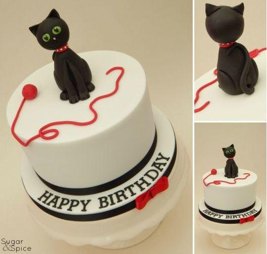 Gatto, una torta di buon compleanno per lui