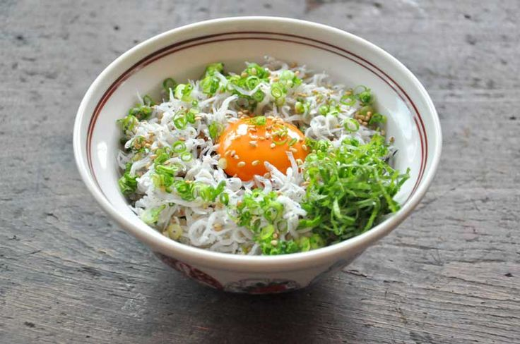 簡単美味しい しらす丼のレシピ/作り方  ©白ごはん.com