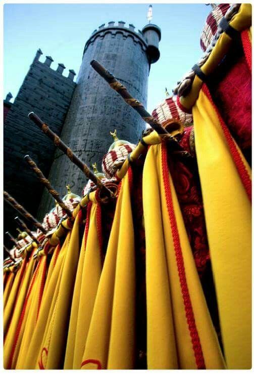 Fiesta y color en #Alcoy #Alcoi #MorosyCristianos