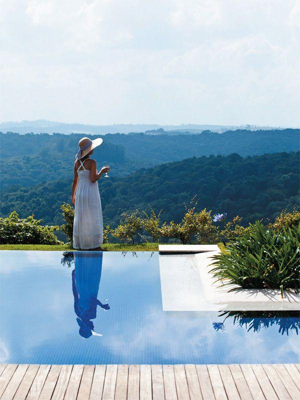 Inspiração do dia: piscina com borda infinita - Casa