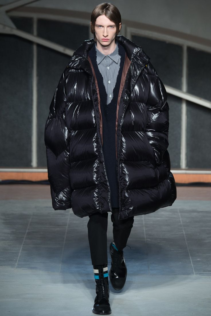 Puffer jacket!! // Raf Simons Fall 2016 Menswear Fashion Show