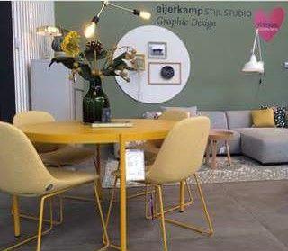 Vitra furniture: gele Palladio tafel met Beso stoelen