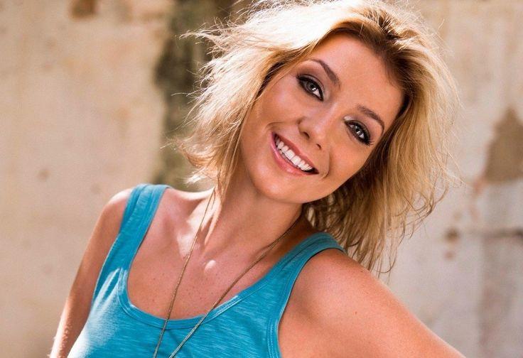 Noticias de Famosos – Luiza Possi diz que já beijou Mulher