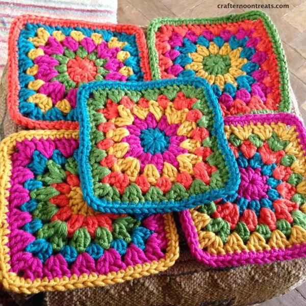 Crochet festival bag squares - crafternoontreats.com