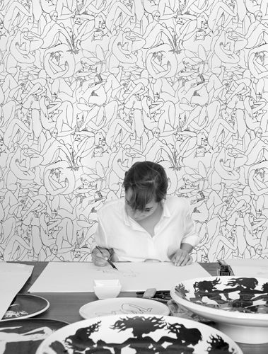 Passionate about drawing, the actress Louise Bourgoin introduced her drawings to Patrick Frey of the Maison Pierre Frey. He was immediately taken by the fluid, unapologetic lines of her pen and ink drawings and offered to feature them in a collection for the Maison Pierre Frey.