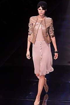 Giorgio Armani Spring 2001 Ready-to-Wear Collection Slideshow on Style.com