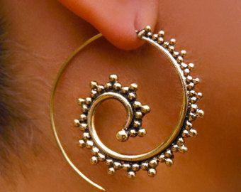 Latón bronce espiral pendientes gitana pendientes por RONIBIZA