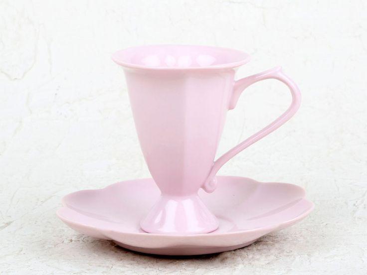 Juego de taza y plato para servir el café espresso. Disponible en color rosa palo. Apto para lavavajillas y microondas.