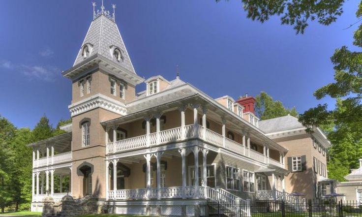 Ce joyau du Québec est à vendre. Une maison historique à voir!