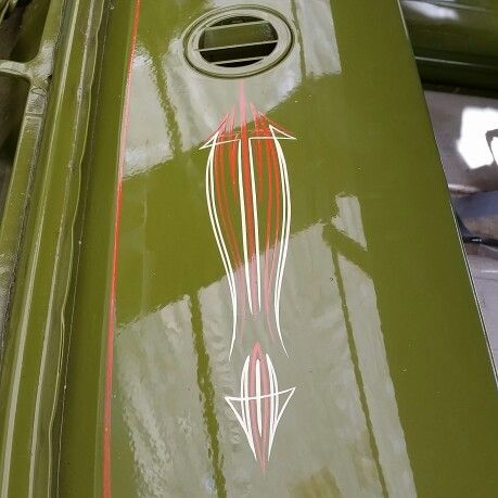 Pinstriping bymullins chevy dash
