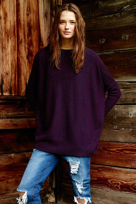 The perfect Primark over sized AW jumper, pair with some ripped Primark jeans and your outfit is complete.