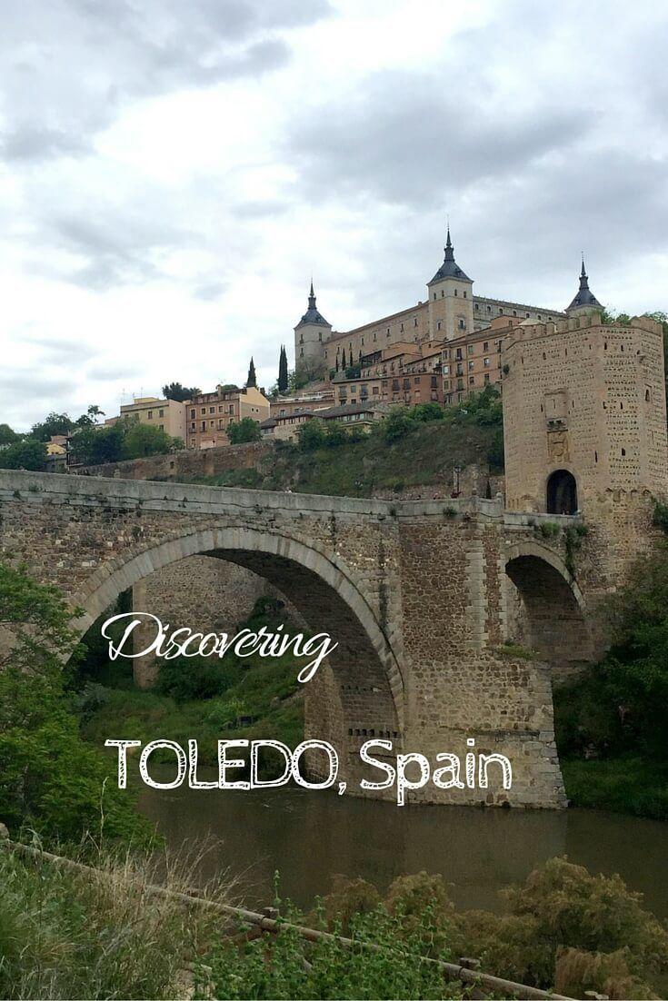 Toledo tiene architectural famosa. Por ejemplo, Alcazar es famosa y es desde periodo de Roma.