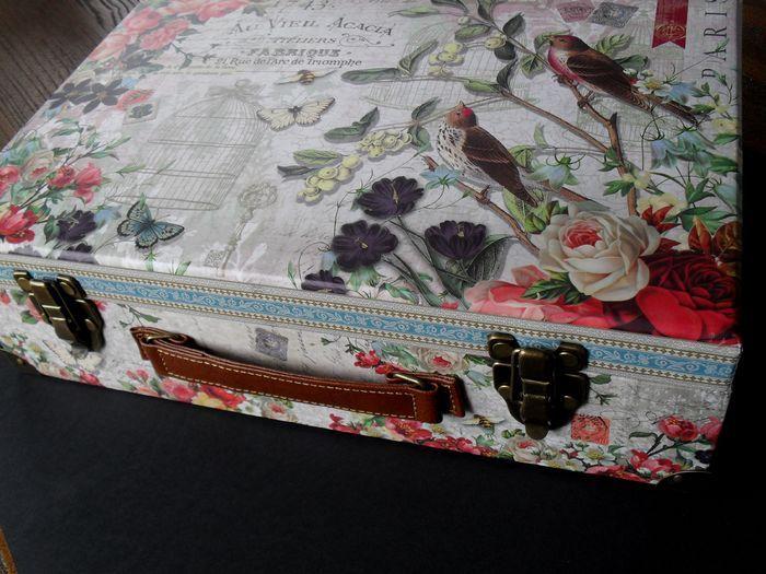 photo n°1 : Boite valise de rangement Grand Format collection Punch Studio modèle Fleur de Triomphe