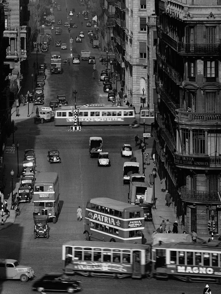 Calle Balmes, Barcelona 1953. Francesc Catala Roca