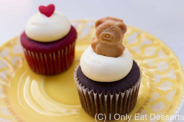 Teddy Bear and Red Velvet Cupcake (Little Cupcakes)
