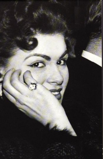 """Patsy Cline (1932-1963) aged 30  In 2002, country music artists and industry members voted her Number One on CMT's The 40 Greatest Women of Country Music and ranked 46th in the """"100 Greatest Singers of All Time"""" issue of Rolling Stone magazine. According to her 1973 Country Music Hall of Fame plaque, """"Her heritage of timeless recordings is testimony to her artistic capacity."""""""