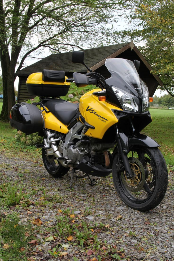Suzuki DL 1000 V-Strom, black and yellow.
