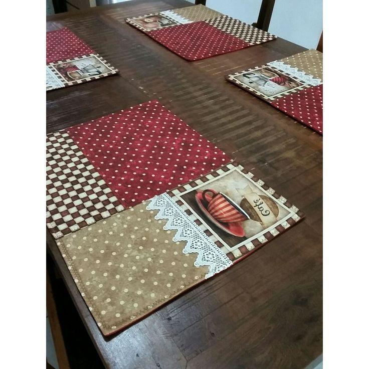Jogo americano composto por 6 peças, cada um no tamanho de 36x46
