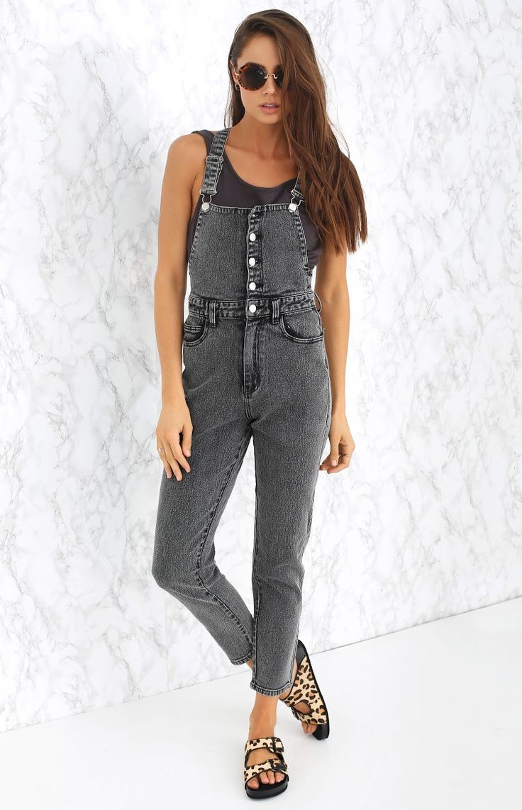 We love the Afends Elliot Overalls with a white tee and sneakers to keep it effortlessly cool and casual during the day! Please note: although these overalls allow for some stretch, they are a small make. If you are in-between sizes or after a more comfortable fit, we recommend going up a size.