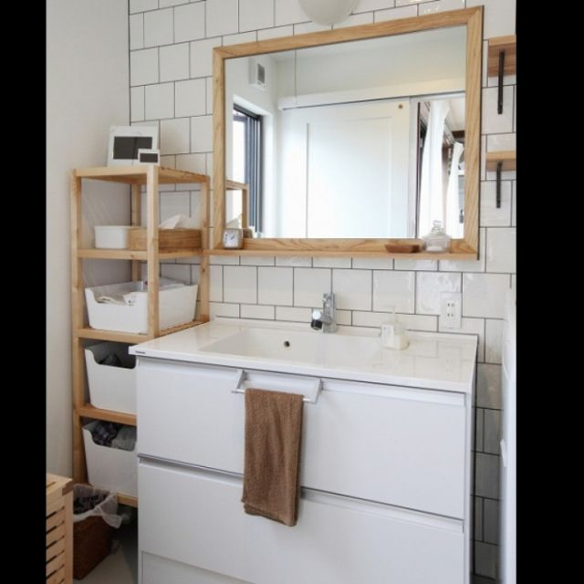 jobさんの、鏡,洗面台,タイル,シンプル,洗面室,サブウェイタイル,Panasonic,シンプルライフ,シンプルナチュラル,IKEAの棚,シーライン,のお部屋写真