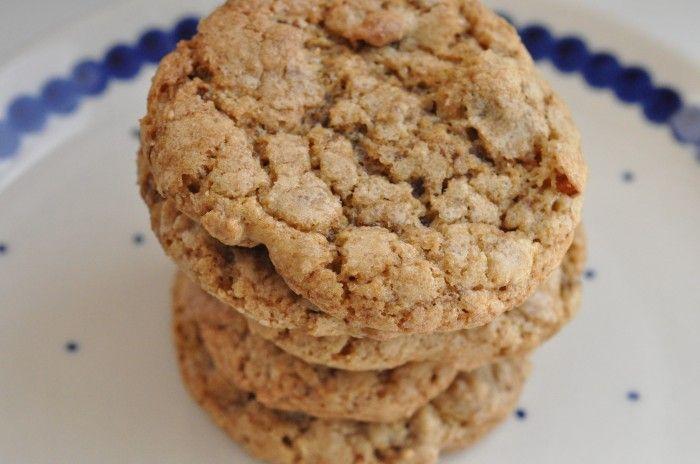 Lakridscookies med chokolade og hasselnødder