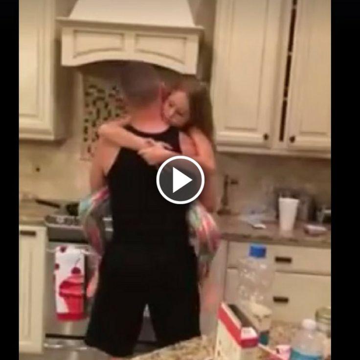 Cand o mama a vazut ce face acest tata cu fiica sa, a filmat imediat. Videoclipul a devenit viral!