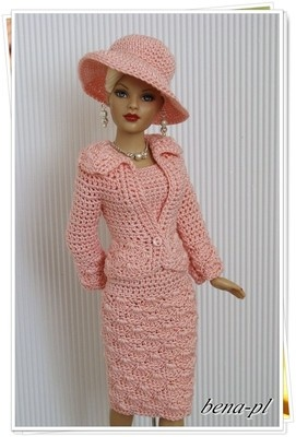 crocheted dress for Barbie