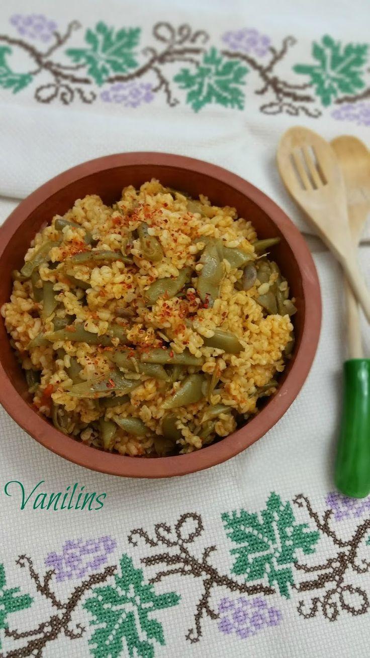 Taze Fasülyeli Bulgur Pilavı  Bulgur Pilavı  Sebzeli Bulgur Pilavı    Oldukça besleyici ve lezzetli olan bulgur,bu kez sebzeli olarak yer...
