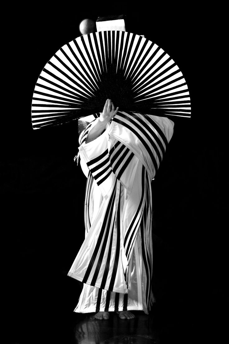Sonia Biacchi is a well respected Costume Designer living and working in Venice.... a look at the striking photographs below showing a few of Biacchi's costumes… they are taken by photographer Kristine Theimann…