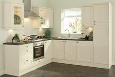 1-cuisines-blanches-avec-carrelage-gris-et-meubles-blanches-original-pas-cher-conforama