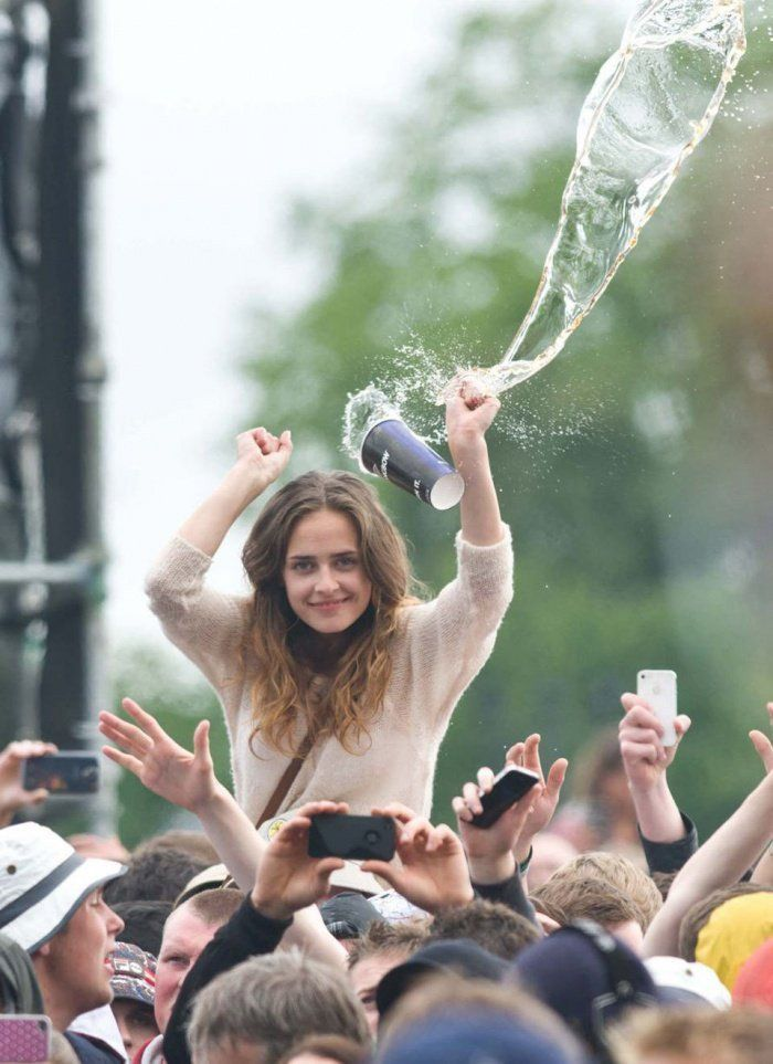 You Will Laugh Your Heart Out with These Epic Fail Photos This is her version of ice bucket challenge, it's the ice cold cup of beer challenge and the people involved are those around you.