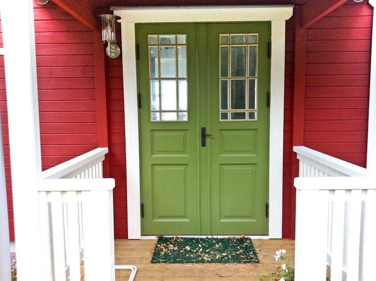 Vacker pardörr på ett hus med ett härlig läge | www.allmoge.se